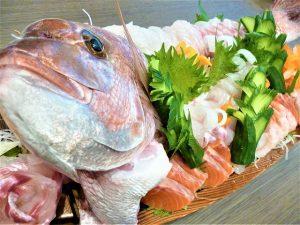 お刺身実演(1月のイベント食)-大阪城ケアホーム-